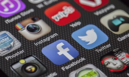Using Social Media to Increase Your Chances of Getting Hired