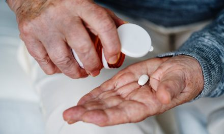 How to Pay Less For Prescription Drugs Without Insurance