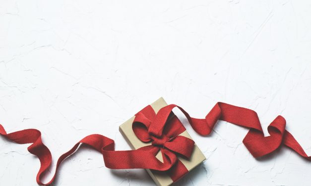 When and When Not to Give Out Holiday Tips to Service Professionals